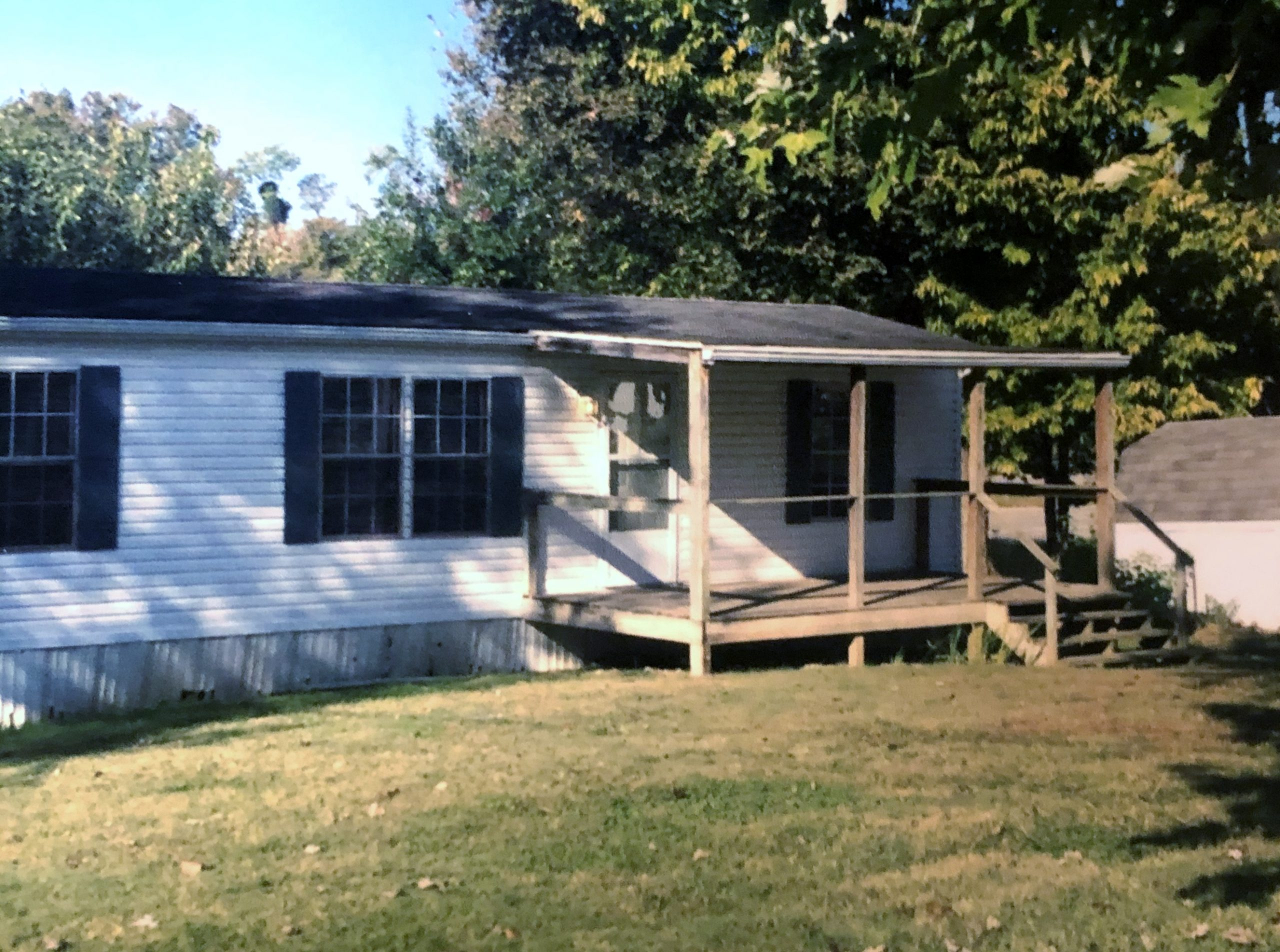 2 bedroom mobile home for rent on Sand Road (557 county rd 60) South Point
